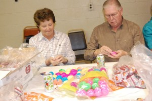 Marilyn and Butch Kaye were focused on filling eggs with jelly beans.
