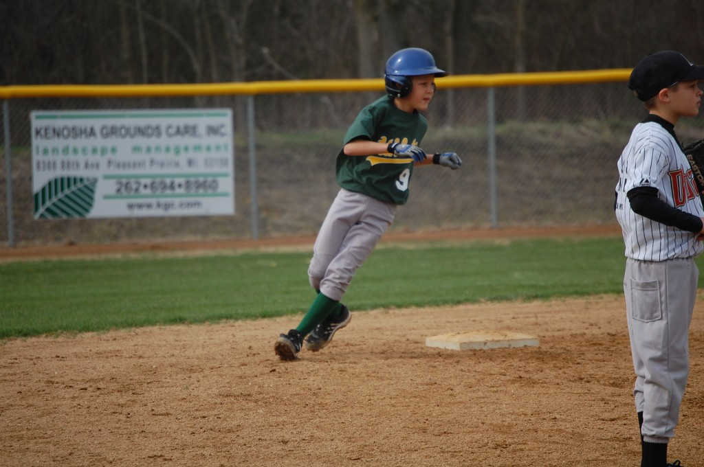 An A's baserunner hold sup at second.