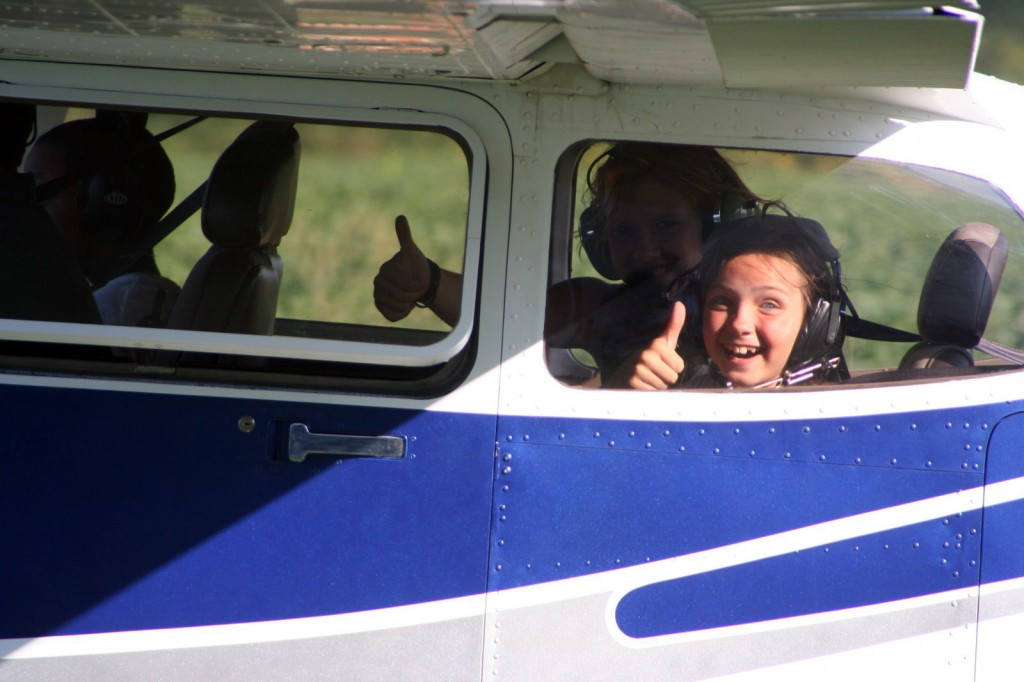 Some of the Young Eagles riders give the thumbs up. / photo by valentine