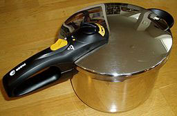 Pressure-cooker-wikimedia-commons