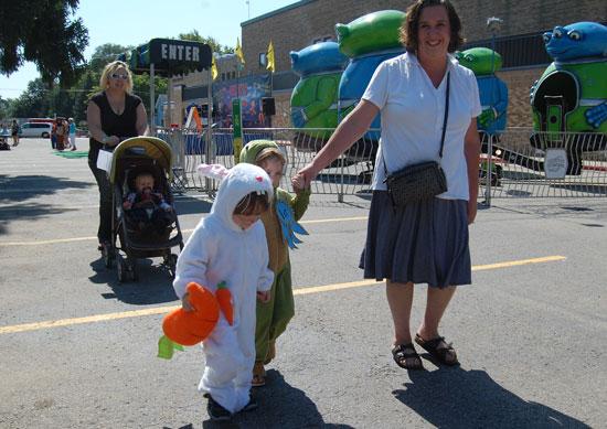 2013-kids-parade-13