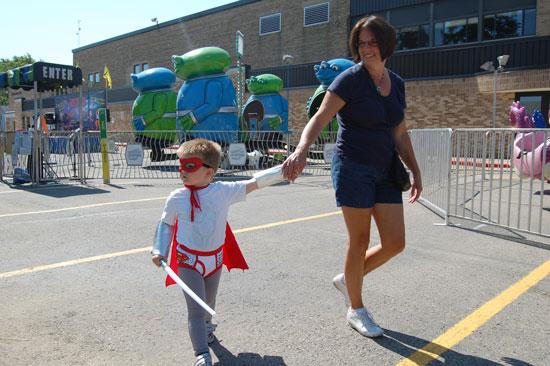 2013-kids-parade-15