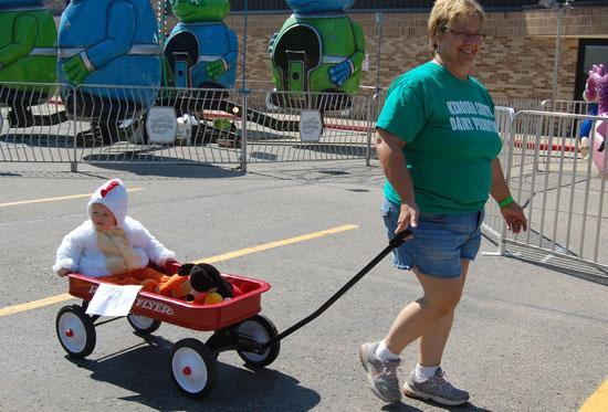 2013-kids-parade-18
