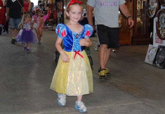 2013-kids-parade-20