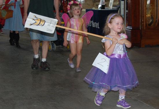 2013-kids-parade-21