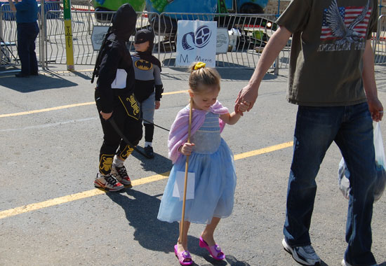 2013-kids-parade-27