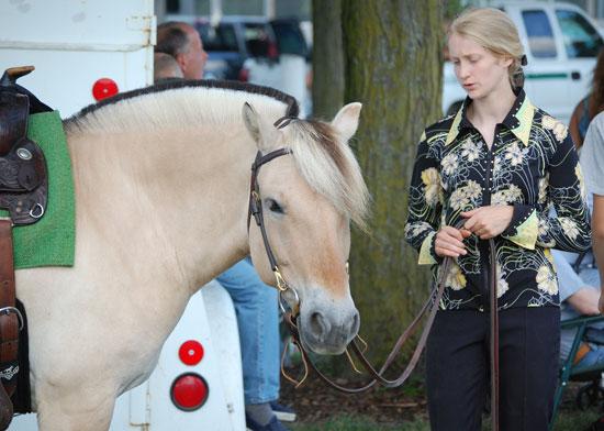 2013-sat-horse-9
