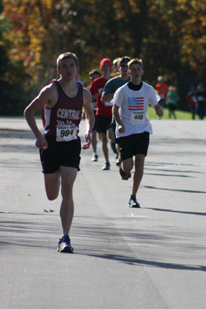 Shane McNealy about 1 minute after the start in the lead. Behind is Sam Keller. /Nicolas Keller photo