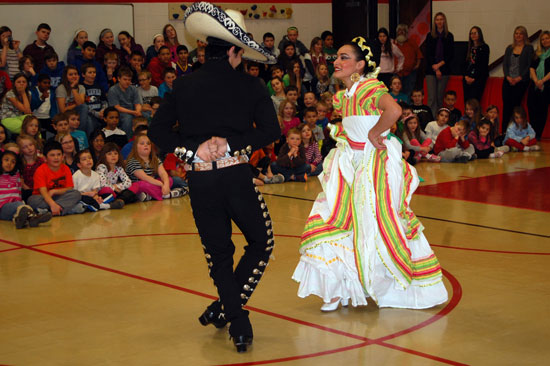 pars-mexican-dancing-6