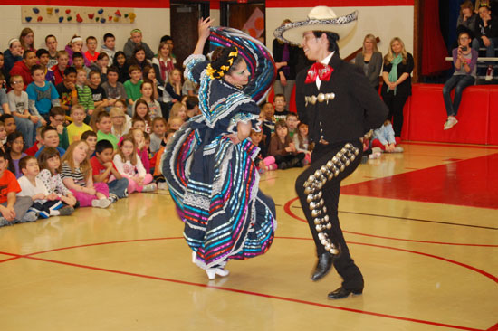pars-mexican-dancing-8