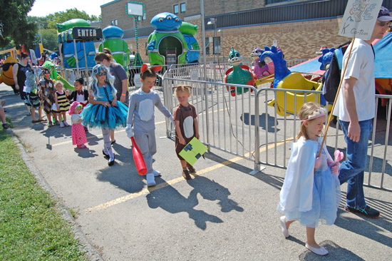 2014-fair-childrens-parade-10
