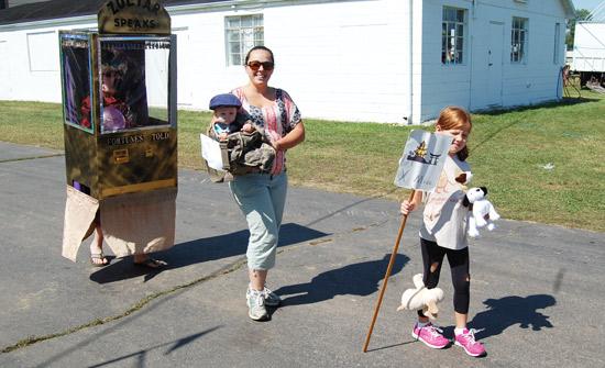 2014-fair-childrens-parade-34