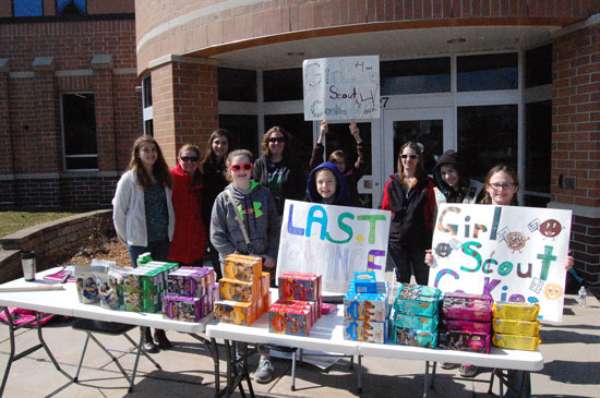 girls-scouts-salem-drive-through-cookies-2016-3