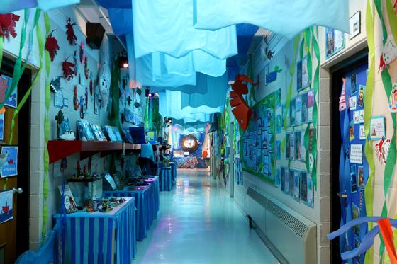 p8V9A1047-hallway1